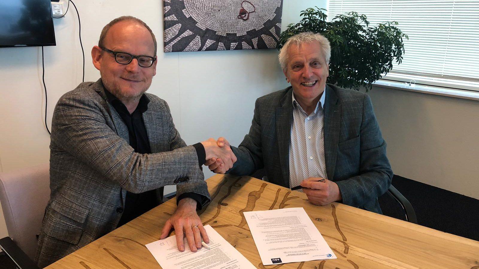 Jurriën Koops en Tof Thissen ondertekenen samenwerkingsovereenkomst ABU en UWV Werkbedrijf